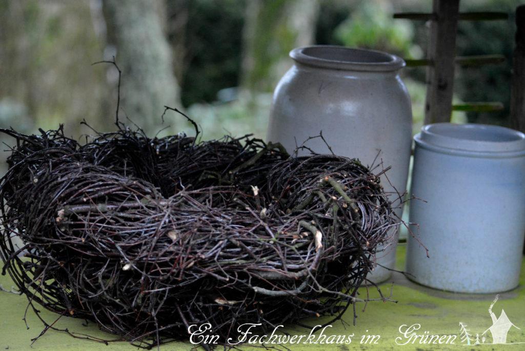 Nest aus Birkenästen