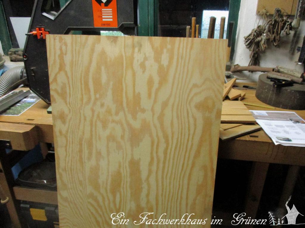 Eine Speerholzplatte.